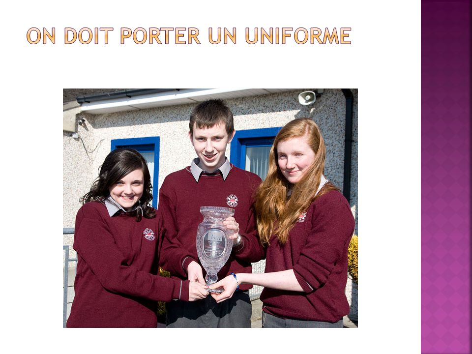 On doit porter un uniforme