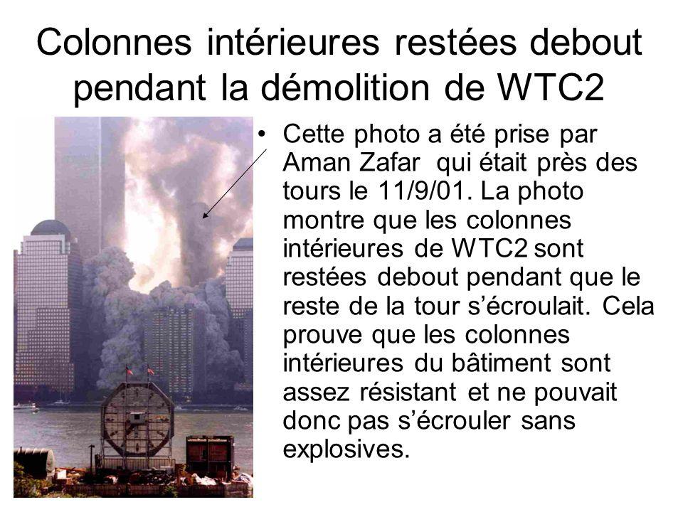 Colonnes intérieures restées debout pendant la démolition de WTC2