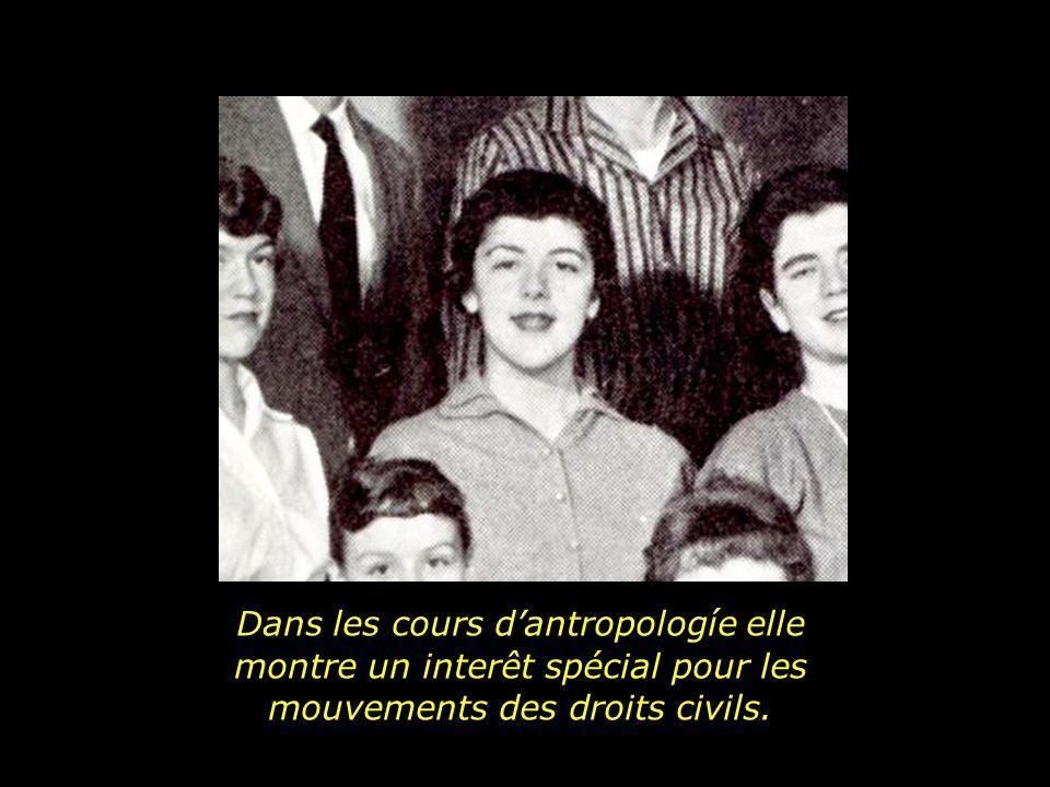Dans les cours d'antropologíe elle montre un interêt spécial pour les mouvements des droits civils.