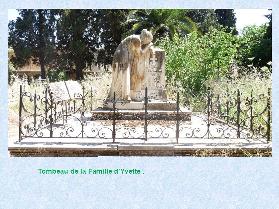 Tombeau de la Famille d'Yvette .