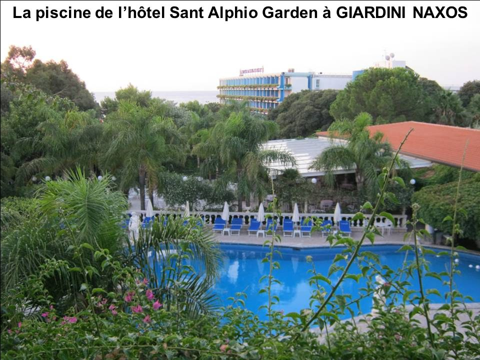 La piscine de l'hôtel Sant Alphio Garden à GIARDINI NAXOS