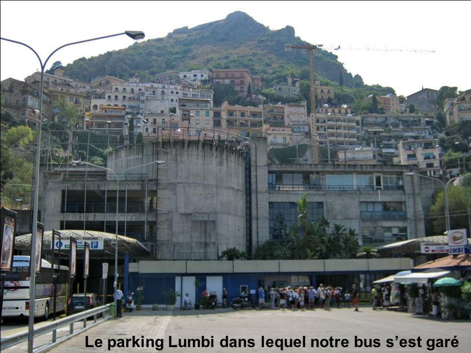 Le parking Lumbi dans lequel notre bus s'est garé