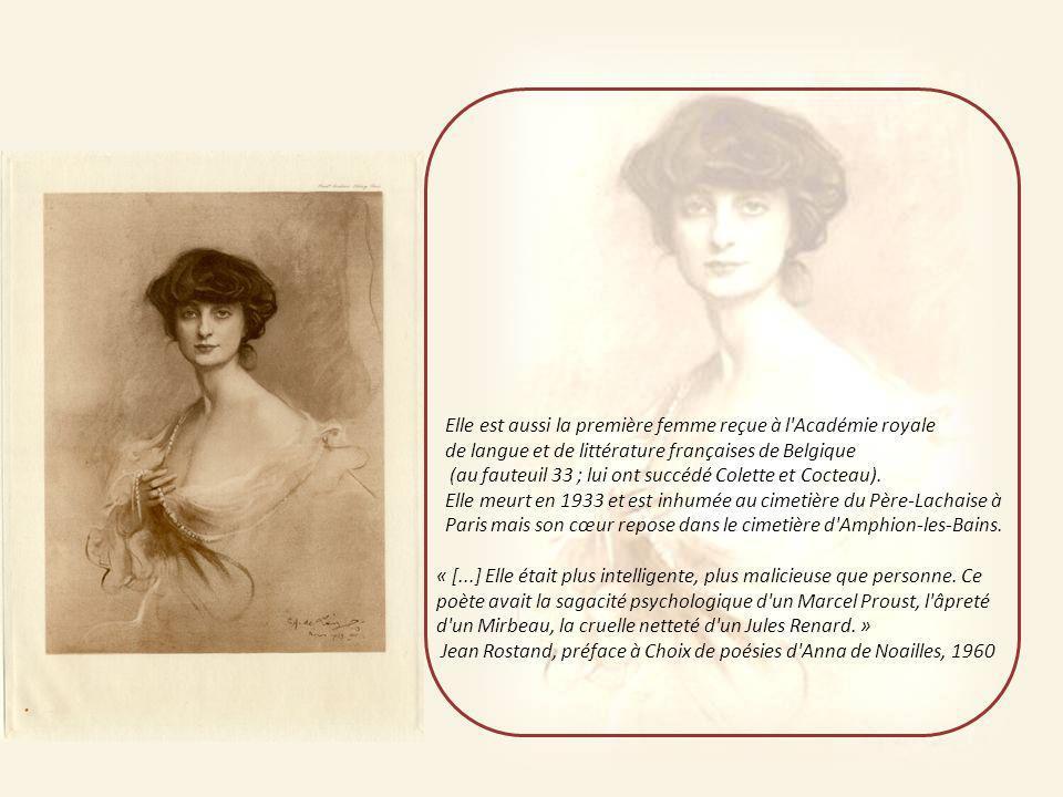 Elle est aussi la première femme reçue à l Académie royale