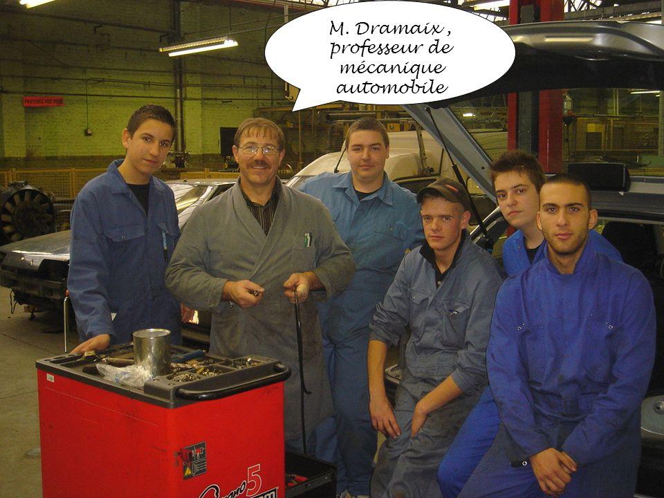 professeur de mécanique automobile