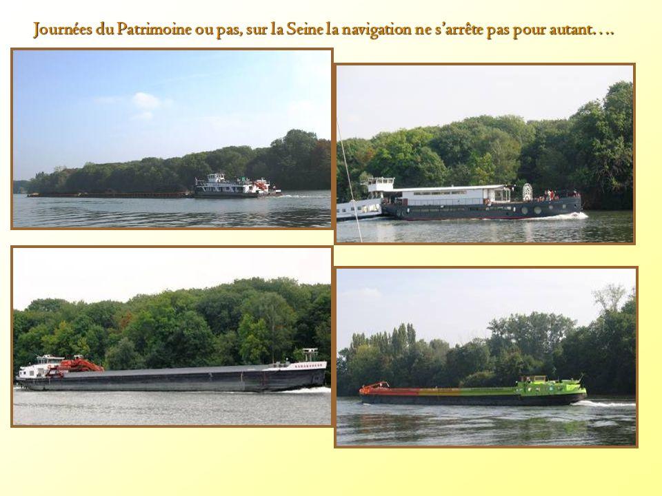 Journées du Patrimoine ou pas, sur la Seine la navigation ne s'arrête pas pour autant….