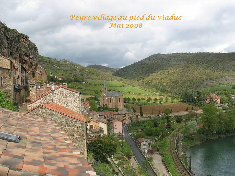 Peyre village au pied du viaduc Mai 2008