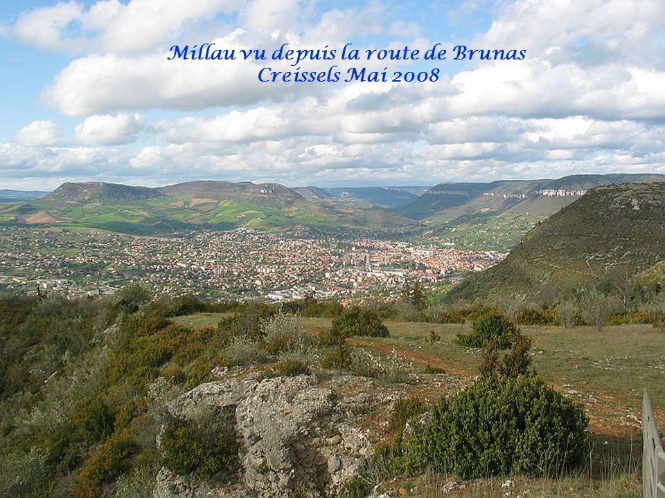 Millau vu depuis la route de Brunas