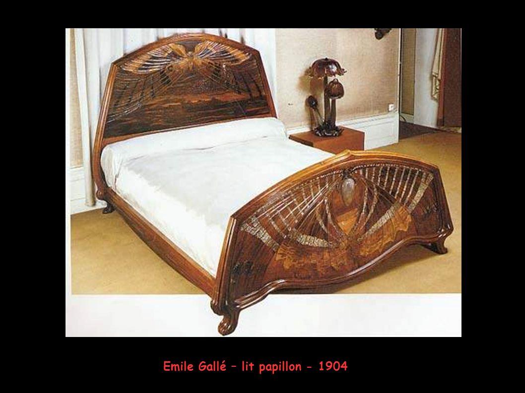 Emile Gallé – lit papillon - 1904