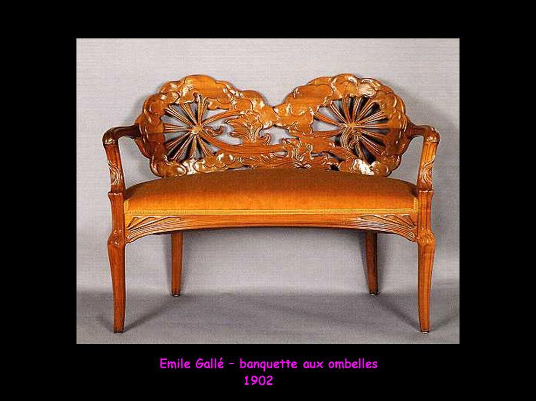 Emile Gallé – banquette aux ombelles