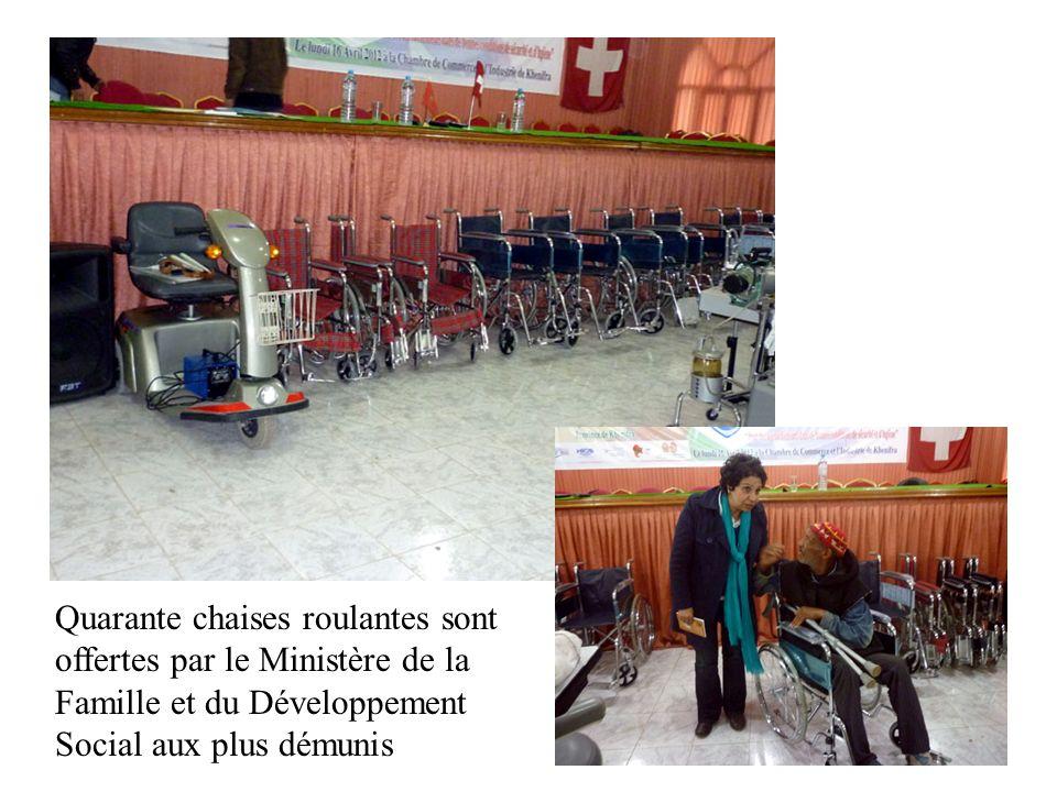 Quarante chaises roulantes sont offertes par le Ministère de la Famille et du Développement Social aux plus démunis