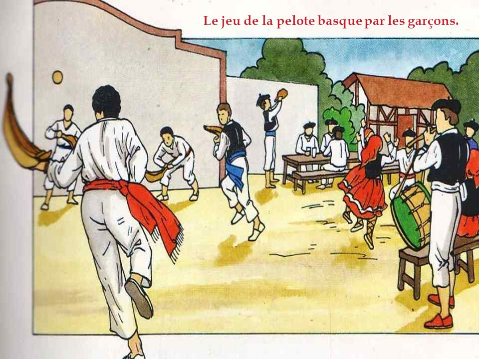 Le jeu de la pelote basque par les garçons.