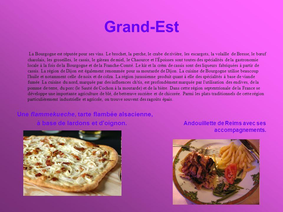Grand-Est Une flammekueche, tarte flambée alsacienne,