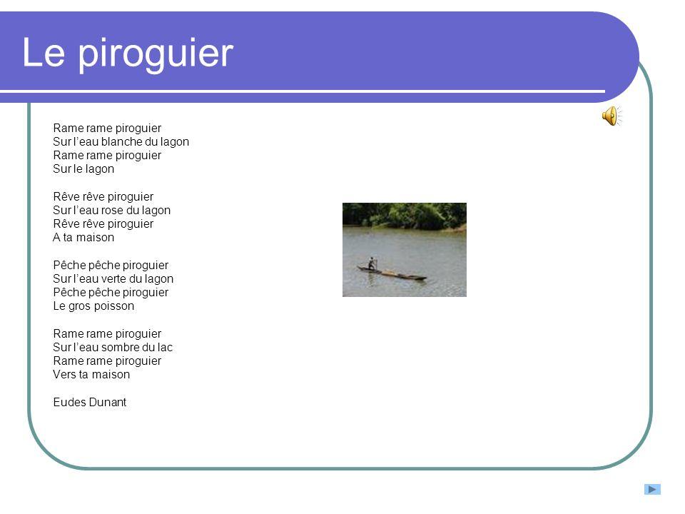 Le piroguier Rame rame piroguier Sur l'eau blanche du lagon