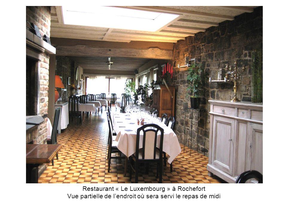 Restaurant « Le Luxembourg » à Rochefort Vue partielle de l'endroit où sera servi le repas de midi