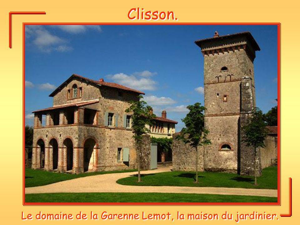 Le domaine de la Garenne Lemot, la maison du jardinier.
