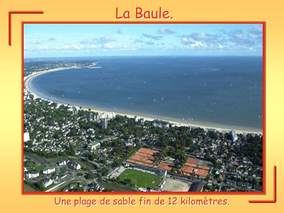 Une plage de sable fin de 12 kilomètres.