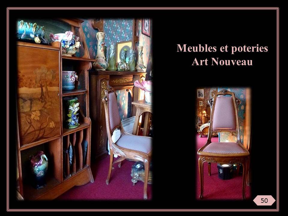 Meubles et poteries Art Nouveau