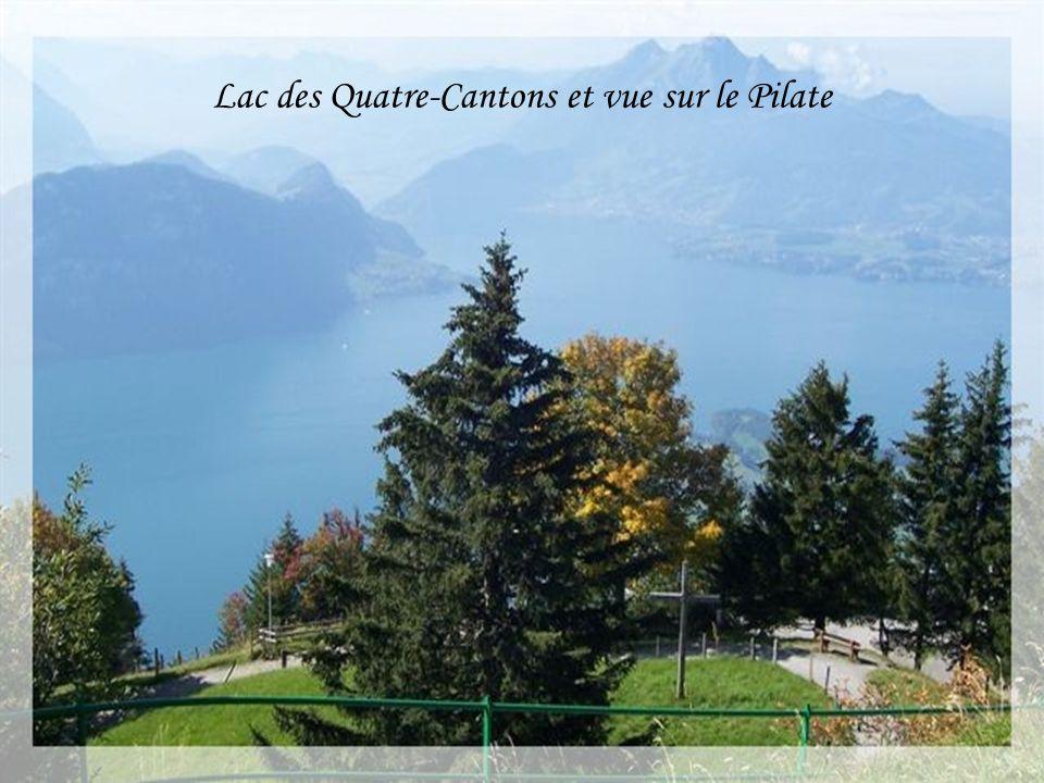 Lac des Quatre-Cantons et vue sur le Pilate