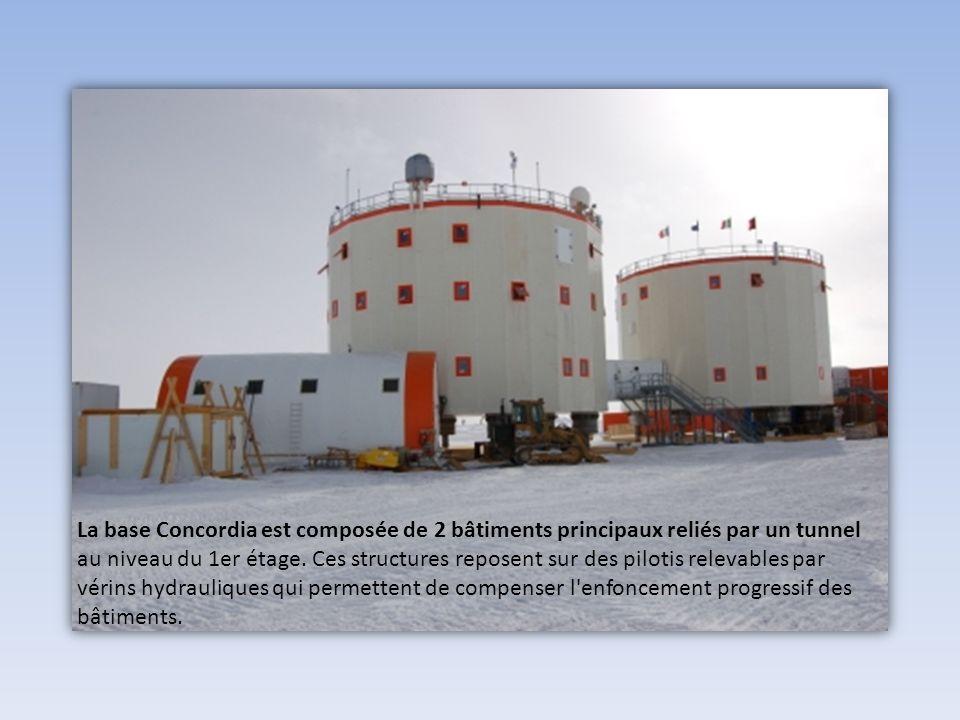 La base Concordia est composée de 2 bâtiments principaux reliés par un tunnel au niveau du 1er étage.