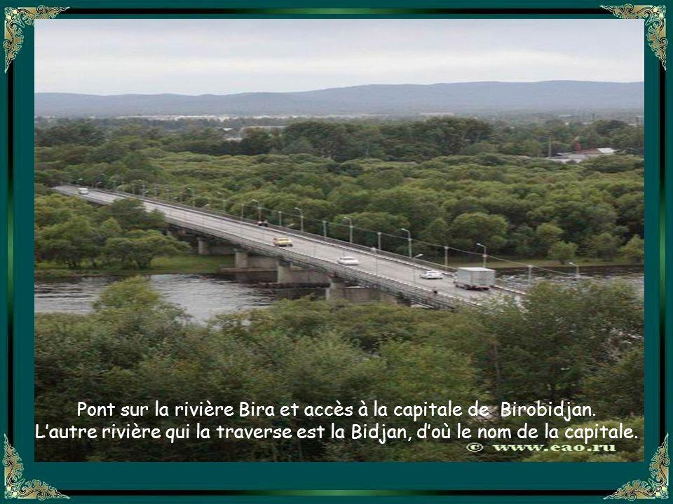 Pont sur la rivière Bira et accès à la capitale de Birobidjan