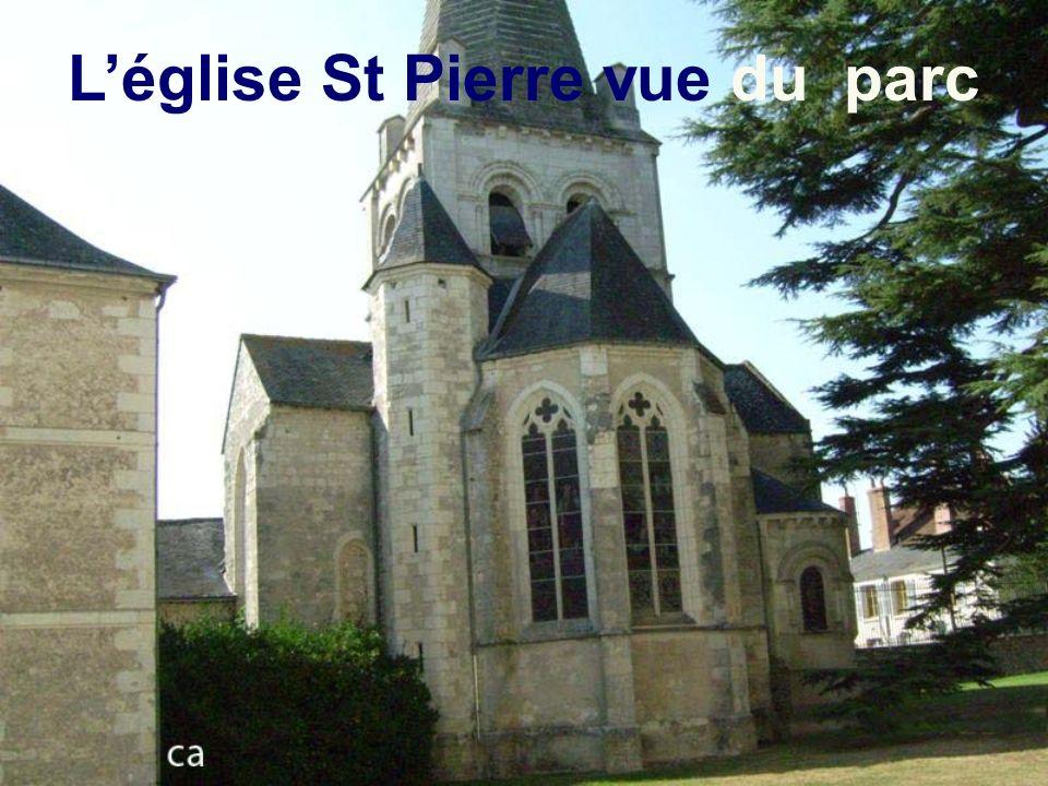 L'église St Pierre vue du parc