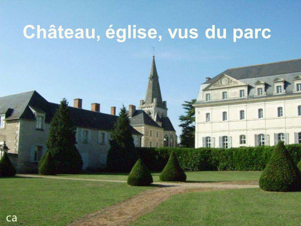 Château, église, vus du parc