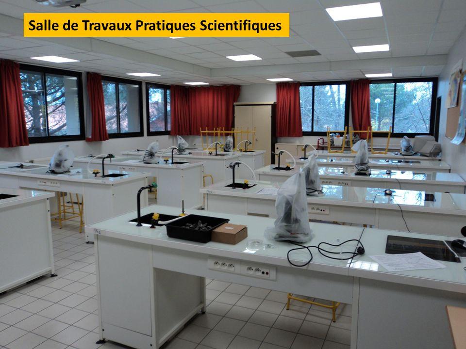 Salle de Travaux Pratiques Scientifiques