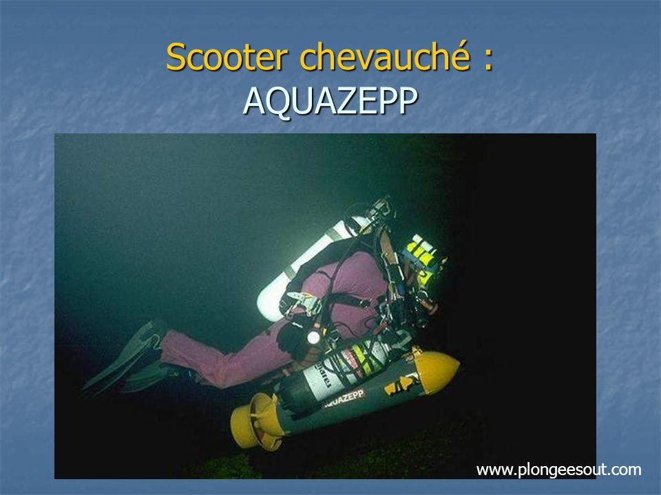 Scooter chevauché : AQUAZEPP