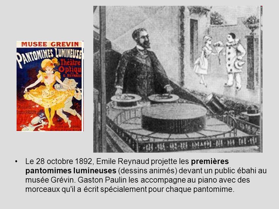 Le 28 octobre 1892, Emile Reynaud projette les premières pantomimes lumineuses (dessins animés) devant un public ébahi au musée Grévin.