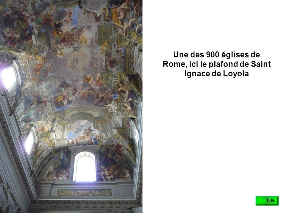 Une des 900 églises de Rome, ici le plafond de Saint Ignace de Loyola