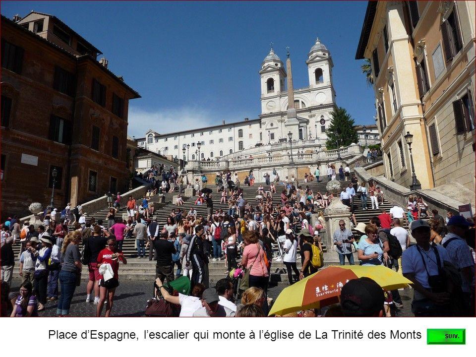 Place d'Espagne, l'escalier qui monte à l'église de La Trinité des Monts