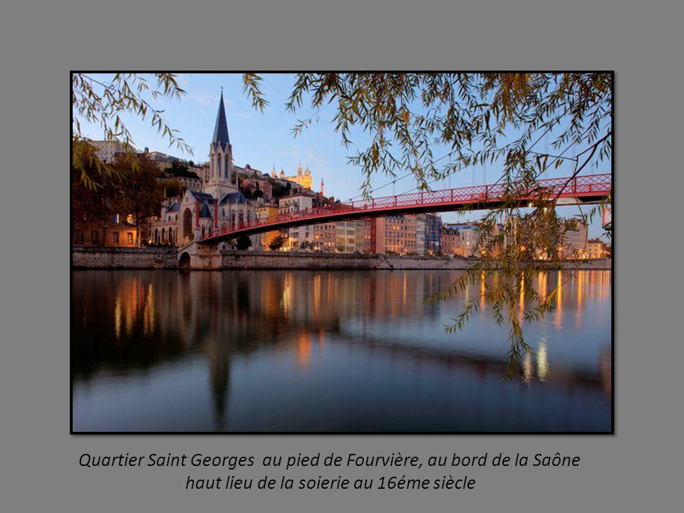 Quartier Saint Georges au pied de Fourvière, au bord de la Saône
