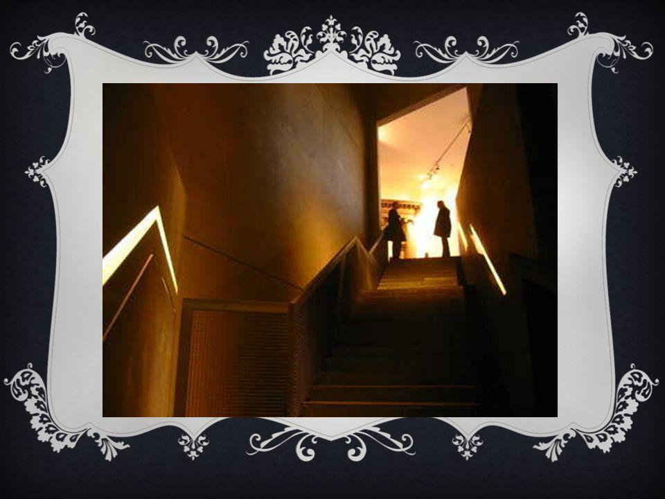 L'escalier de l'entree