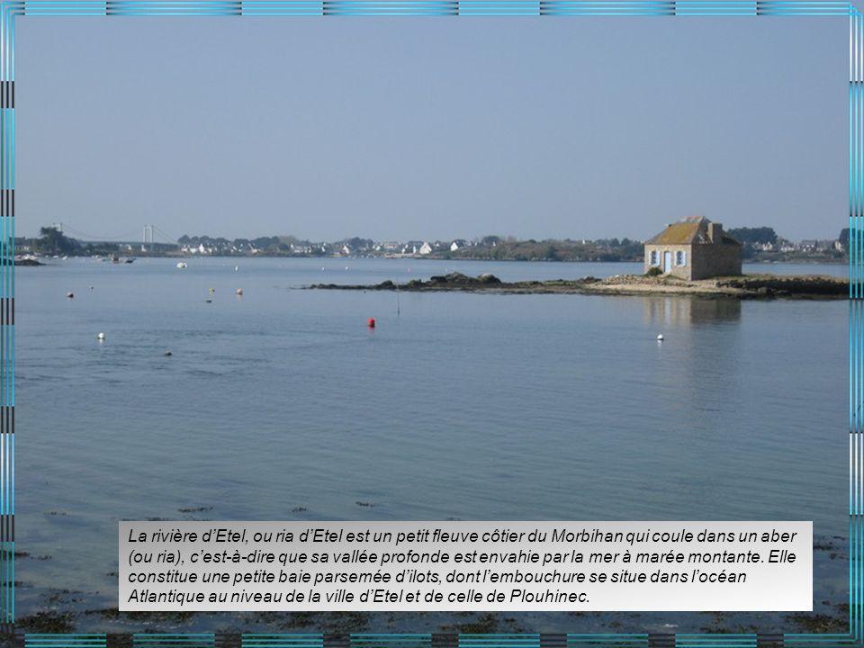 La rivière d'Etel, ou ria d'Etel est un petit fleuve côtier du Morbihan qui coule dans un aber (ou ria), c'est-à-dire que sa vallée profonde est envahie par la mer à marée montante.