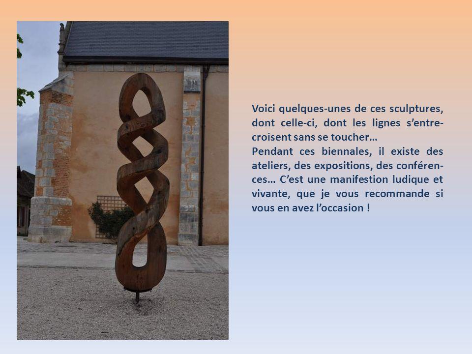 Voici quelques-unes de ces sculptures, dont celle-ci, dont les lignes s'entre-croisent sans se toucher…