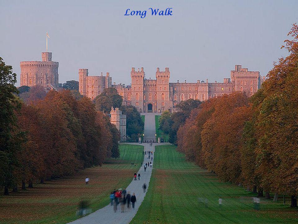Le château de Windsor (Windsor Castle en anglais), à Windsor dans le Berkshire, est le plus grand château habité au monde, mais aussi le plus ancien habité sans discontinuité. La surface au sol de l édifice