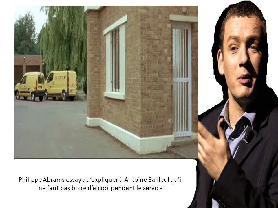 Philippe Abrams essaye d'expliquer à Antoine Bailleul qu'il ne faut pas boire d'alcool pendant le service