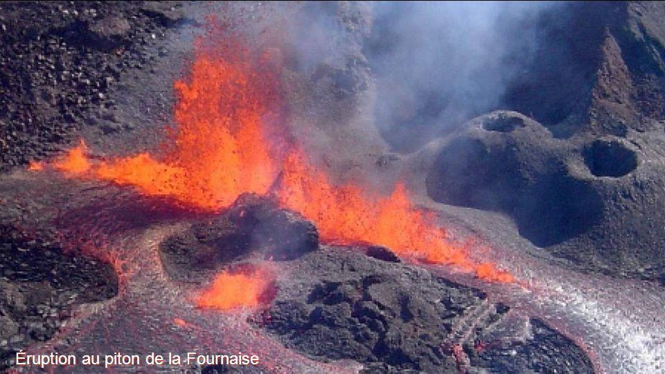 Éruption au piton de la Fournaise