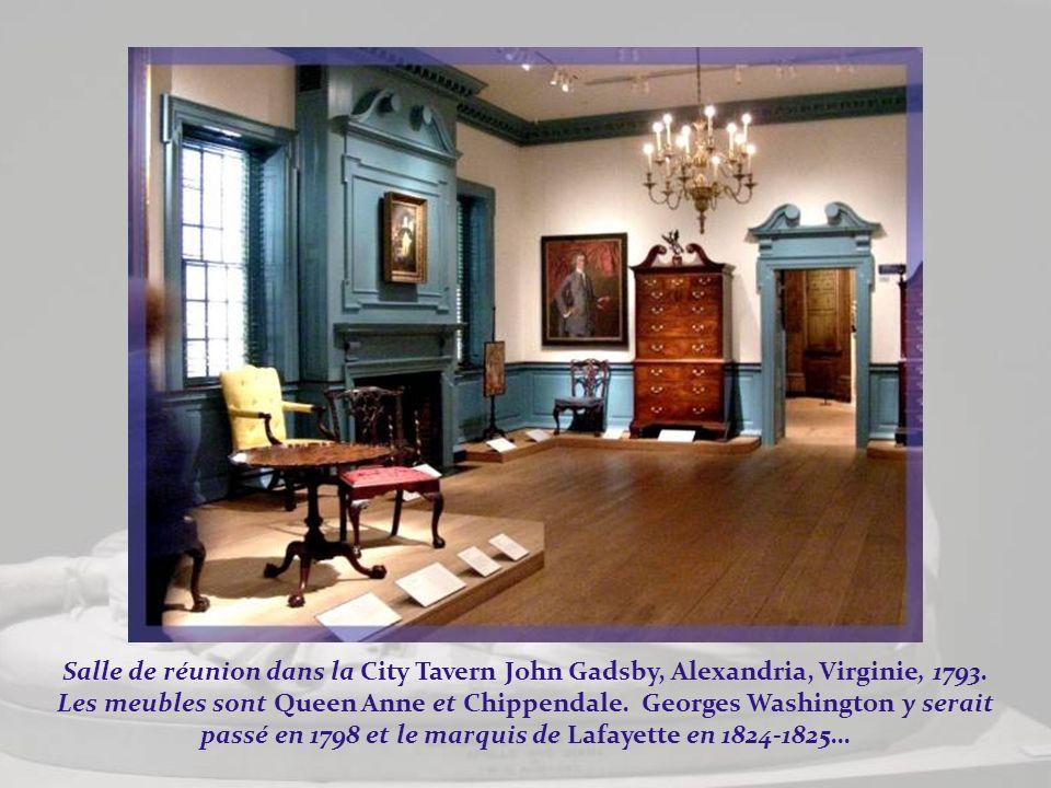 Salle de réunion dans la City Tavern John Gadsby, Alexandria, Virginie, 1793.