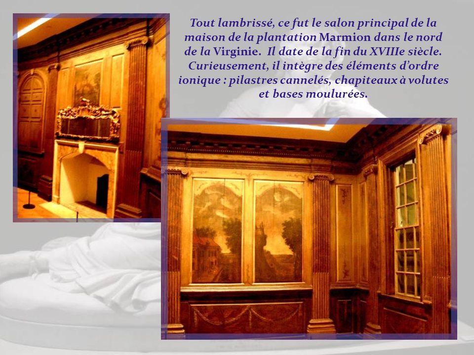 Tout lambrissé, ce fut le salon principal de la maison de la plantation Marmion dans le nord de la Virginie.