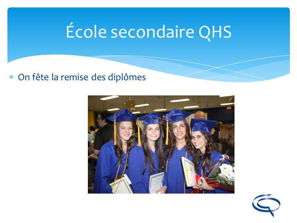 École secondaire QHS On fête la remise des diplômes