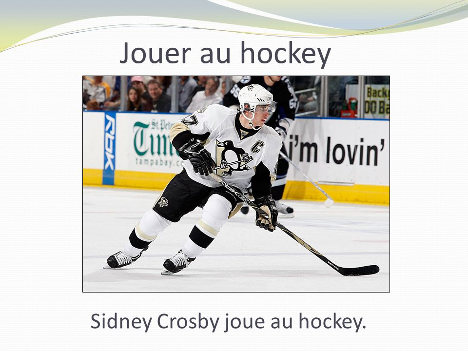 Jouer au hockey Sidney Crosby joue au hockey.