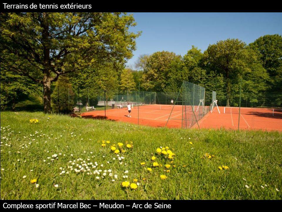 Terrains de tennis extérieurs