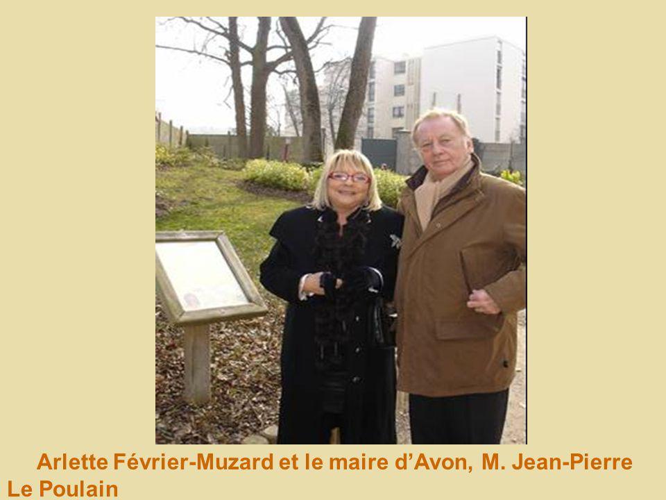 Arlette Février-Muzard et le maire d'Avon, M. Jean-Pierre Le Poulain