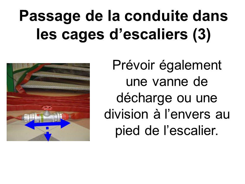 Passage de la conduite dans les cages d'escaliers (3)