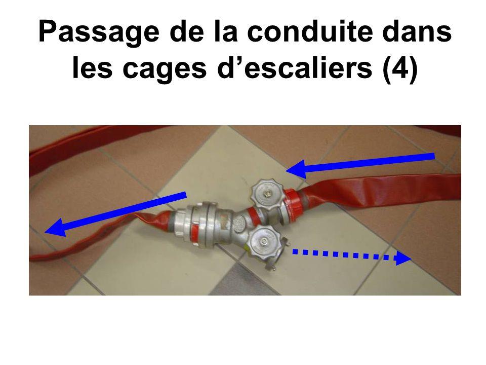 Passage de la conduite dans les cages d'escaliers (4)