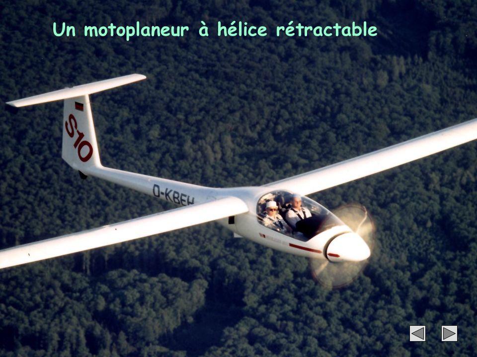 Un motoplaneur à hélice rétractable