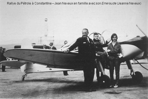 Rallye du Pétrole à Constantine – Jean Neveux en famille avec son Emeraude (Jeanne Neveux)