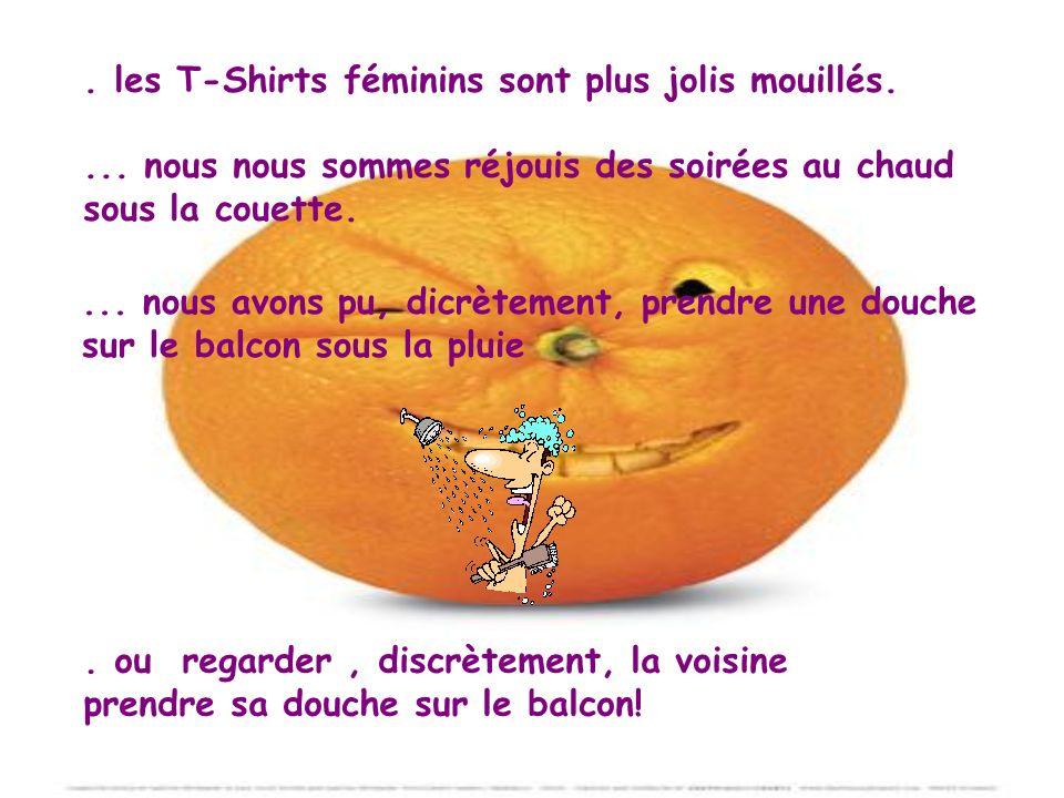 . les T-Shirts féminins sont plus jolis mouillés.