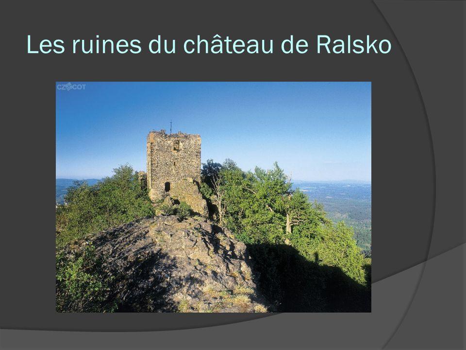 Les ruines du château de Ralsko